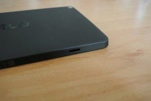 Nvidia Shield Tablet recenze - otvor pro pouzdro