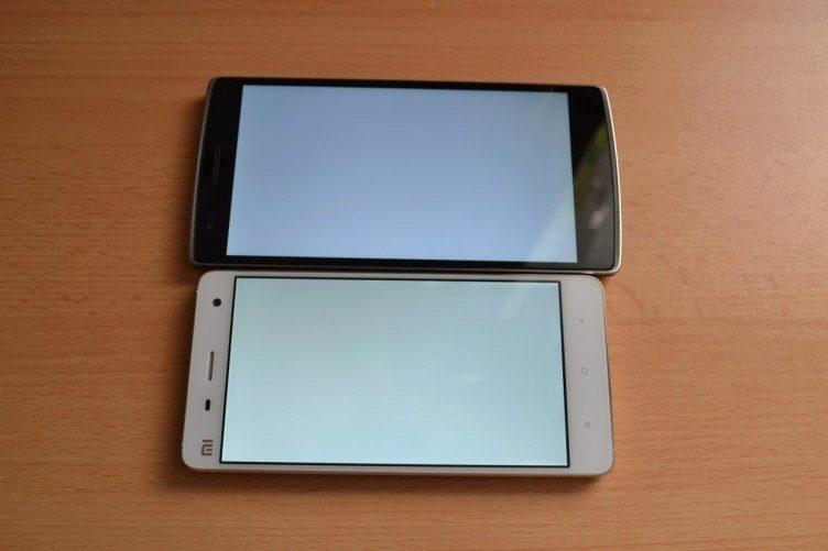 Xiaomi Mi4 vs OnePlus One - bílá barva