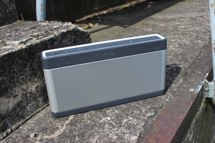 BOSE SoundLink Bluetooth III recenze - předek schody