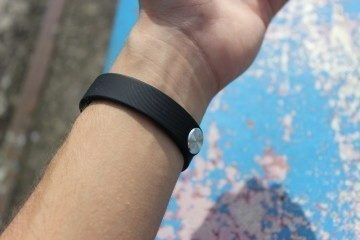 Sony SmartBand recenze - na ruce spodek
