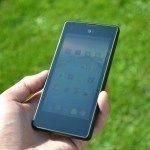 YotaPhone C9660 – přední strana (2)