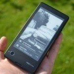 YotaPhone C9660 – zadní strana (7)