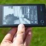 YotaPhone C9660 – zadní strana (8)