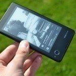 YotaPhone C9660 – zadní strana (9)