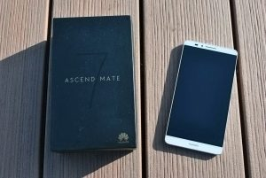 Huawei Ascend Mate 7 obsah balení 1