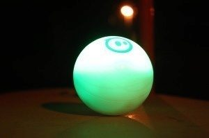Orbotix Sphero 2.0 v noci 2