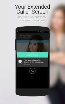 Rozšířená obrazovka oznámení hovoru dovoluje prohlédnout si historii komunikace s volajícím