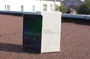 Samsung Galaxy Alpha obsah balení 2