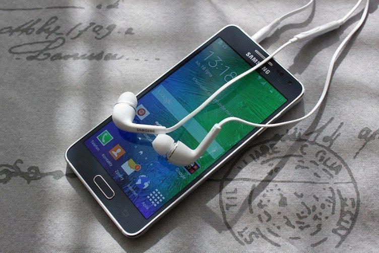 Samsung Galaxy Alpha zvukový výstup