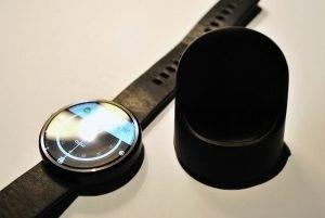Motorola Moto 360 nabíjecí kolébka 2