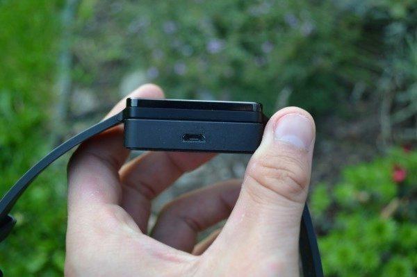 Micro USB konektor na dokovací stanici
