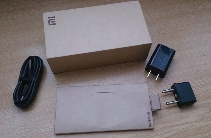 Xiaomi Redmi 2 - obsah balení
