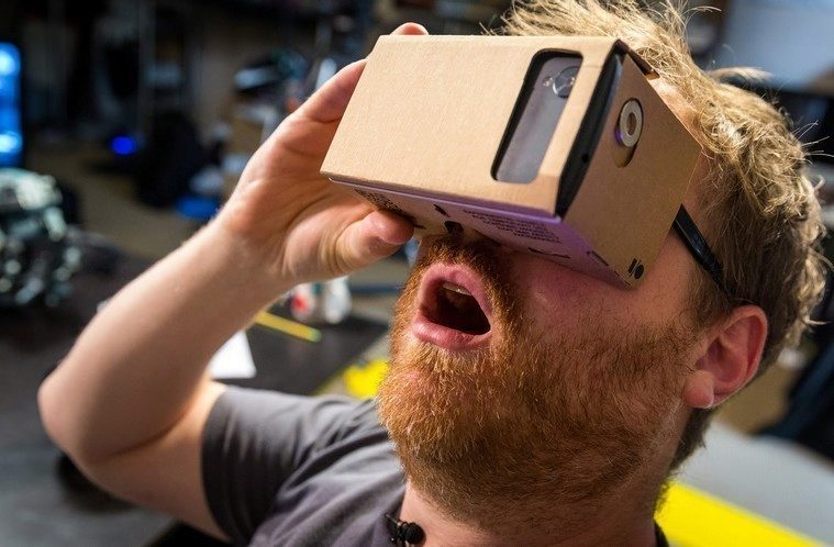 virtuální realita hlavní