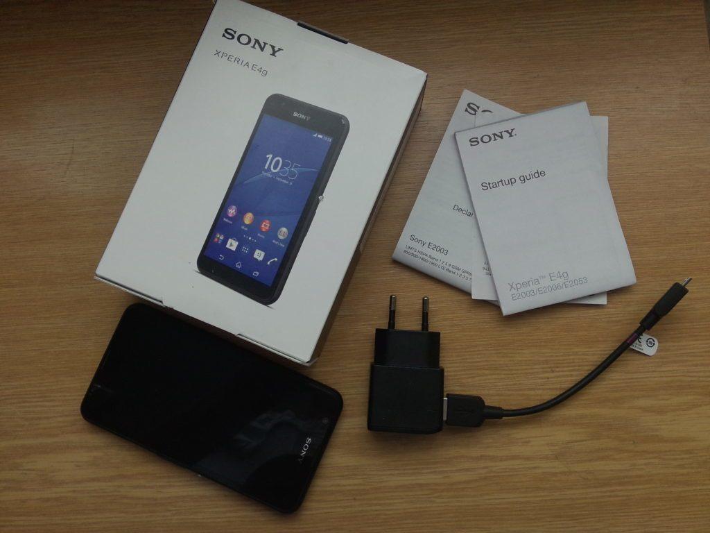 Sony Xperia E4g - obsah balení