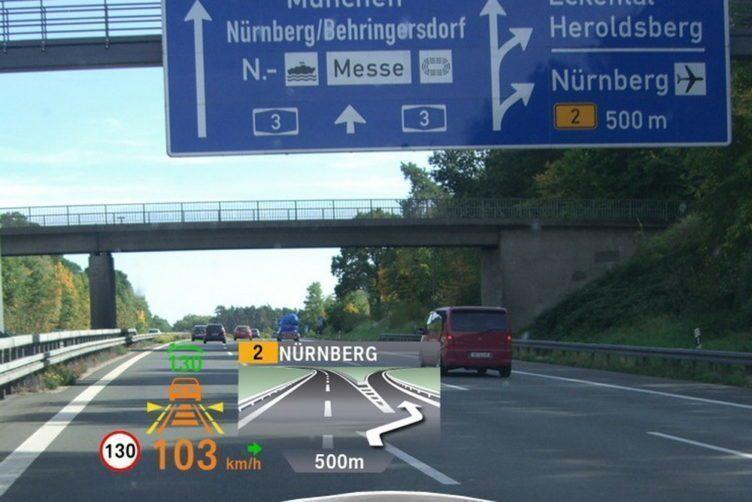 Head-up Display v automobilu BMW