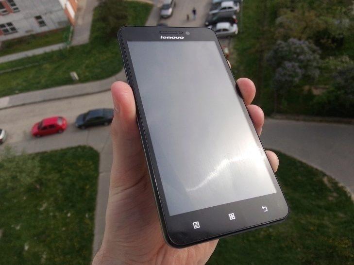 Lenovo A5000 - přední strana zařízení