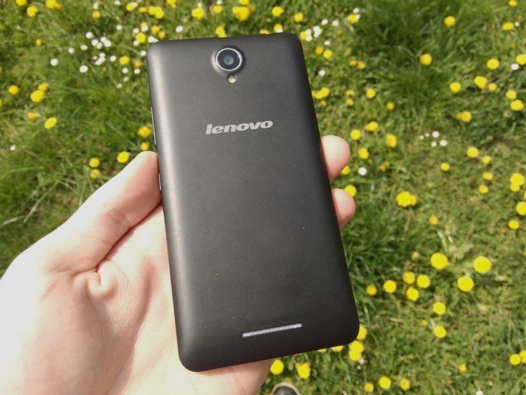 Lenovo A5000 - záda telefonu