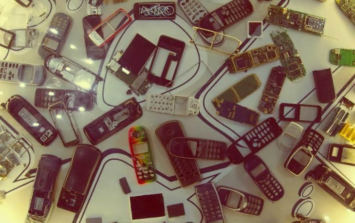 Použité telefony neprodávat, nepředávat, ale nejlépe zničit