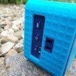 Huawei Colorcube AM10 boční tlačítka