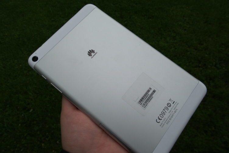 Huawei MediaPad T1 záda