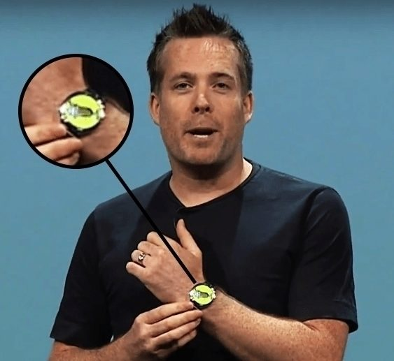 Dave Burke a jeho hodinky během prezentace Androidu M