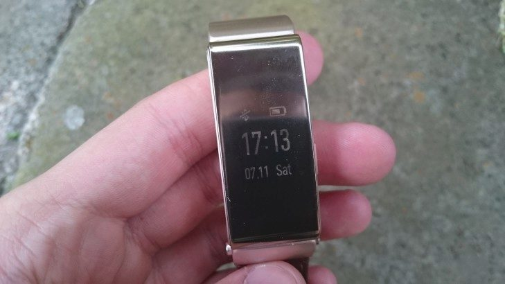 Huawei TalkBand B2 - displej