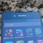 Sony Xperia Z3+ – přední fotoaparát, reproduktor pro volání, senzory, dioda