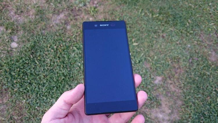 Sony Xperia Z3+ - přední strana