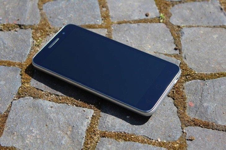 Vodafone Smart Prime 6 přední strana