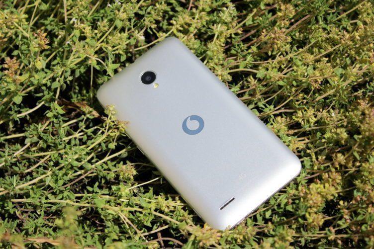 Vodafone Smart Prime 6 záda