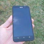 Asus Zenfone 2 – přední strana
