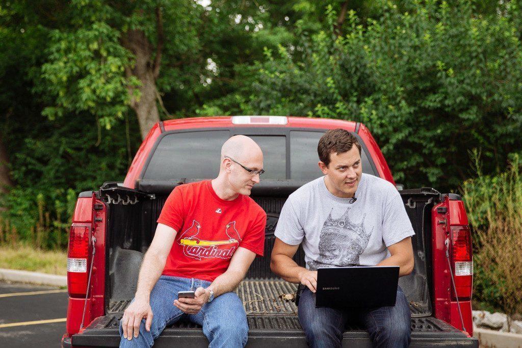 Miller a Valasek několikrát skenovali automobily a jejich systémy v terénu