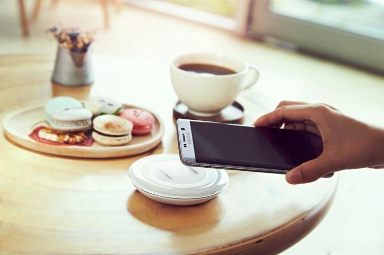 Samsung Galaxy S6 Edge+ a Note 5 agresivně ukončují úlohy na pozadí