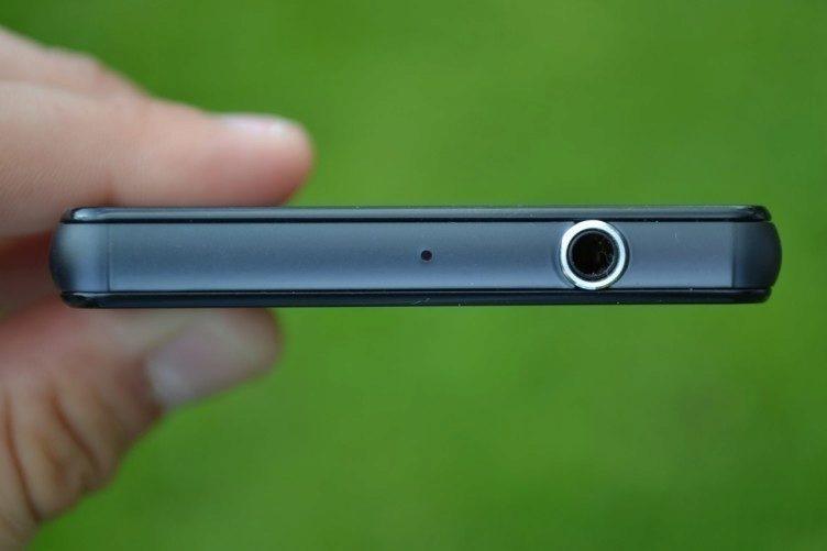 3,5mm konektor pro připojení sluchátek