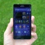 Sony Xperia Z3 Compact - přední strana telefonu (4)
