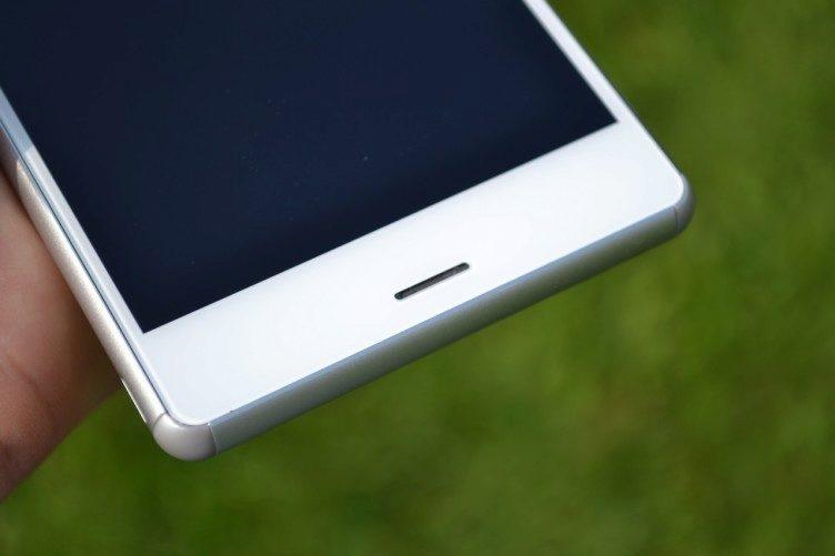 Sony Xperia Z3 - druhy hlasity reproduktor