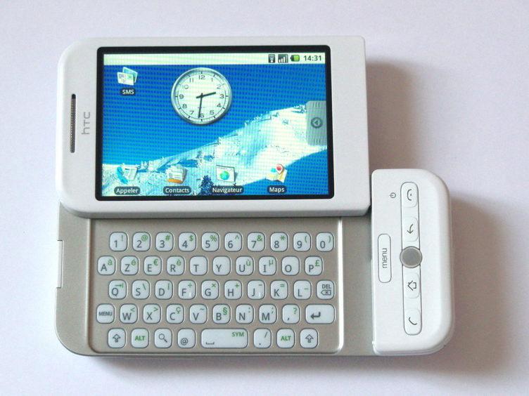 První telefon s Androidem: HTC Dream/T-Mobile G1