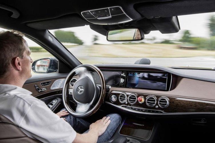 5G auto bez řidiče