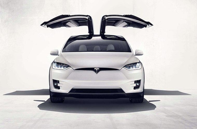 Tesla Model X – nahledak