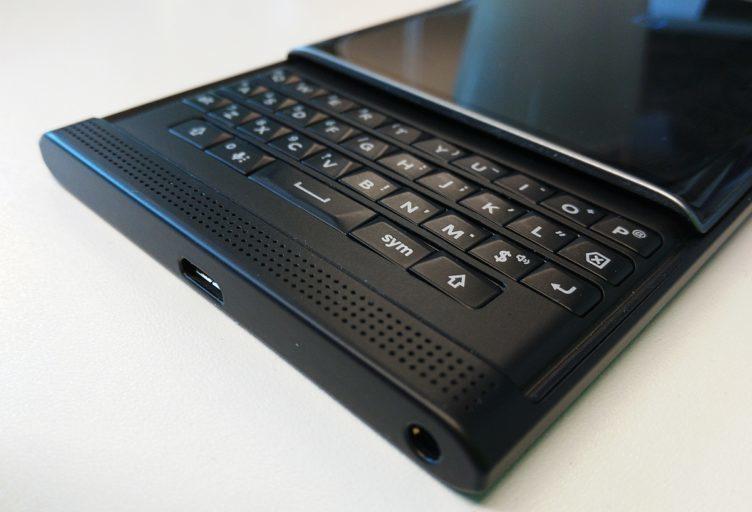 blackberry priv klávesnice