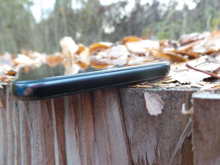 HTC One A9, horní strana