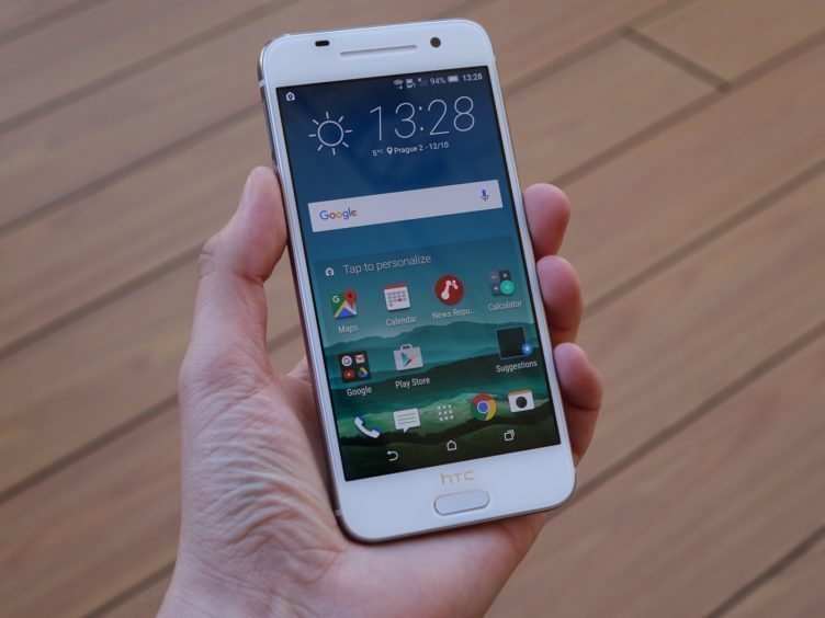 HTC One A9 - konstrukce, displej,sklo