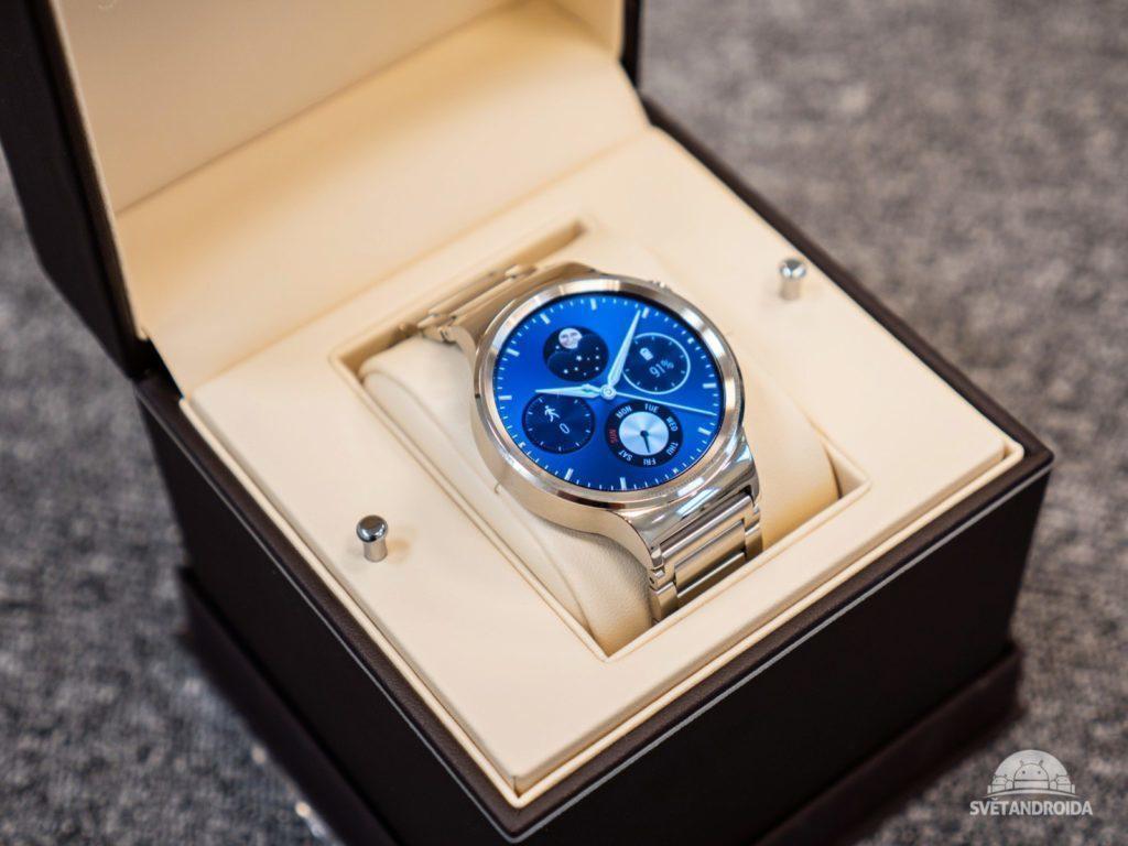 Huawei Watch – balení, krabička
