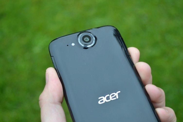 Acer Liquid Jade - objektiv fotoaparátu (2)