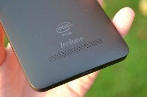 Asus Zenfone 5 - hlasitý reproduktor (2)