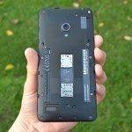 Asus Zenfone 5 – odejmutý zadní kryt (1)