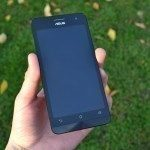Asus Zenfone 5 – přední strana telefonu (2)