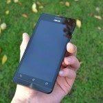 Asus Zenfone 5 – přední strana telefonu (3)