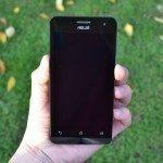 Asus Zenfone 5 – přední strana telefonu (5)