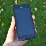 Asus Zenfone 5 – přední strana telefonu (6)